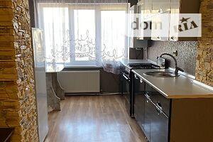 Продается 1-комнатная квартира 50 кв. м в Гусятине