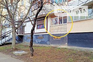 Продається нежитлове приміщення в житловому будинку 64 кв. м в 9-поверховій будівлі