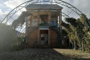 Продається будинок 3 поверховий 100 кв. м з терасою