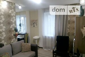 Продається 3-кімнатна квартира 57.6 кв. м у Полтаві