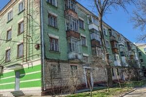 Продается 2-комнатная квартира 57 кв. м в Чернигове