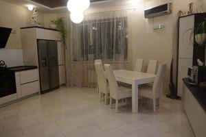Продается дом на 3 этажа 184 кв. м с камином