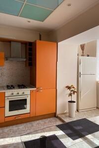 Продается 3-комнатная квартира 84 кв. м в Черкассах