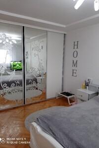 Продається 4-кімнатна квартира 88 кв. м у Тернополі