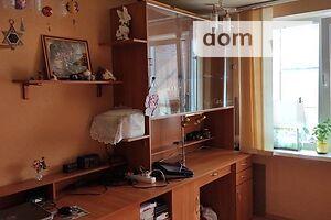 Продається 4-кімнатна квартира 82 кв. м у Полтаві