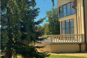Продается дом на 2 этажа 800 кв. м с подвалом