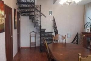 Продается дом на 3 этажа 130 кв. м с беседкой
