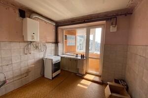 Продается 3-комнатная квартира 66 кв. м в Ужгороде