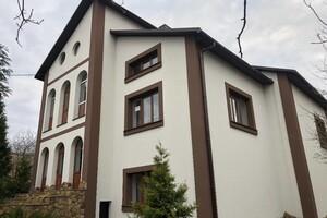 Продается 4-комнатная квартира 234 кв. м в Ровно