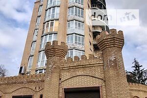 Продается 4-комнатная квартира 154.8 кв. м в Кременчуге