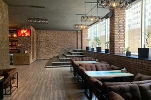 Продається кафе, бар, ресторан 660 кв. м в 15-поверховій будівлі