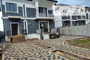 Продается дом на 2 этажа 220 кв. м с балконом