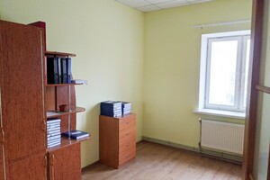 Сдается в аренду офис 170 кв. м в административном здании