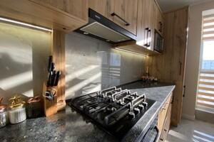 Продается 2-комнатная квартира 67 кв. м в Ровно
