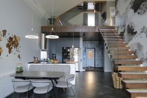 Продается дом на 2 этажа 186 кв. м с гаражом