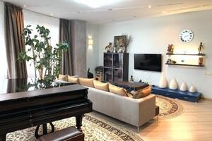 Продається 5-кімнатна квартира 235 кв. м у Києві