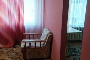 Продається 4-кімнатна квартира 60 кв. м у Херсоні