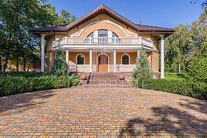 Продається одноповерховий будинок 653 кв. м з балконом