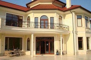 Продається будинок 2 поверховий 890 кв. м з банею/сауною