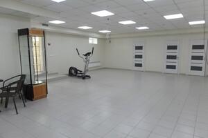 Продається офіс 145 кв. м в нежитловому приміщені в житловому будинку