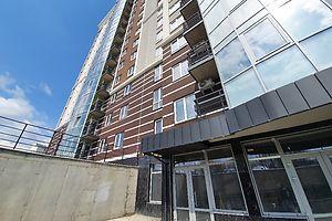 Сдается в аренду объект сферы услуг 97 кв. м в 16-этажном здании