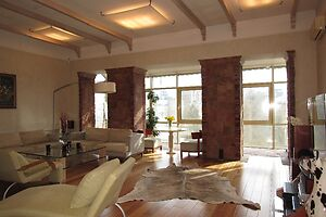 Здається в оренду 3-кімнатна квартира 180 кв. м у Києві