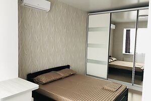 Здається в оренду 3-кімнатна квартира у Чорноморську