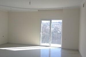Продается дом на 3 этажа 286 кв. м с участком