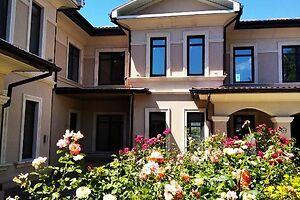 Продається будинок 2 поверховий 165.5 кв. м з подвалом