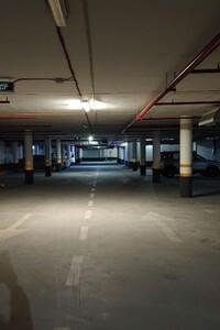 Продается подземный паркинг под легковое авто на 11.5 кв. м