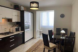 Продається 2-кімнатна квартира 87 кв. м у Тернополі