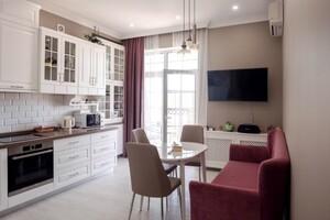 Продається 3-кімнатна квартира 124 кв. м у Одесі