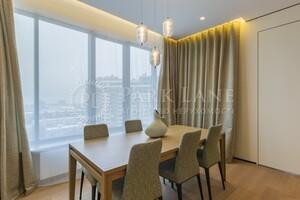 Продается 4-комнатная квартира 131 кв. м в Киеве