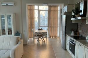 Продається 3-кімнатна квартира 94.58 кв. м у Києві