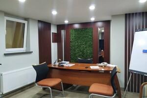 Продается офис 130 кв. м в нежилом помещении в жилом доме