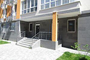 Продается офис 123 кв. м в нежилом помещении в жилом доме