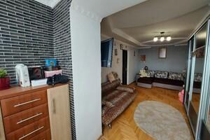 Продається 3-кімнатна квартира 63.8 кв. м у Тернополі