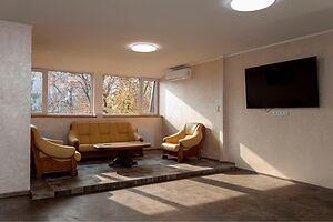 Сдается в аренду 1-комнатная квартира 78 кв. м в Ровно