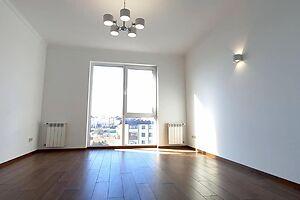 Продается 2-комнатная квартира 72 кв. м в Ровно