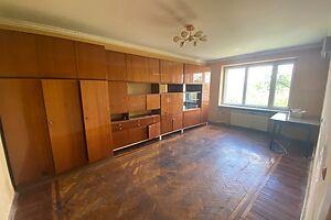 Продается 3-комнатная квартира 67 кв. м в Ужгороде