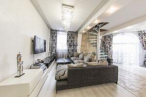 Продається 4-кімнатна квартира 170 кв. м у Києві