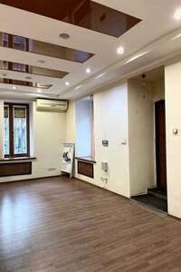 Продається нежитлове приміщення в житловому будинку 81 кв. м в 3-поверховій будівлі