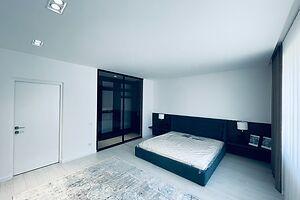 Продается дом на 2 этажа 292 кв. м с участком