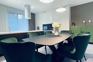 Продается дом на 2 этажа 292 кв. м с верандой