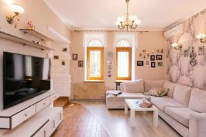 Продається 4-кімнатна квартира 122 кв. м у Одесі