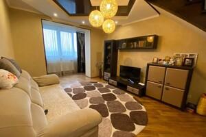 Продается 4-комнатная квартира 131.5 кв. м в Ивано-Франковске