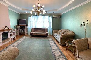 Сдается в аренду 3-комнатная квартира 150 кв. м в Луцке