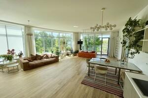 Продается 4-комнатная квартира 143 кв. м в Киеве