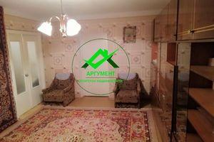 Продається 4-кімнатна квартира 77 кв. м у Херсоні