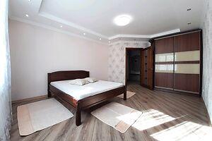 Сдается в аренду 1-комнатная квартира 54 кв. м в Ровно